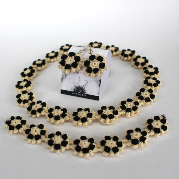 Elma Young-Crochet Jewellery set